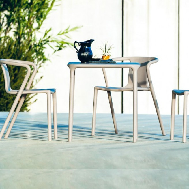Masa pentru uz comercial, interior - exterior, Magis Air Table