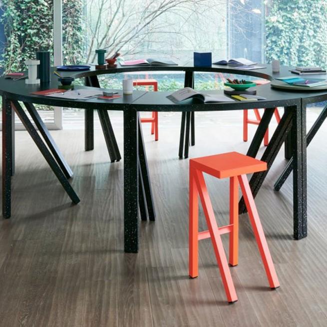 Masa pentru uz comercial Magis Bureaurama