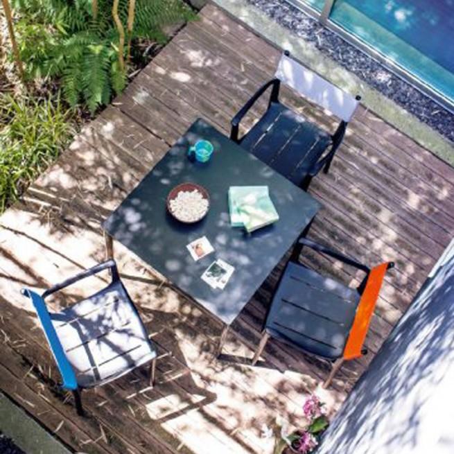Masa pentru uz comercial, interior - exterior, Magis Striped