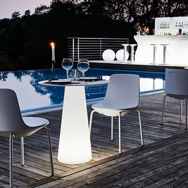 Masa pentru uz comercial Plust, Fura Dining Table Light